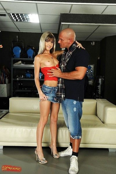 Thin amateur enjoys DP and acquires dualistic jizz flow in her gorge