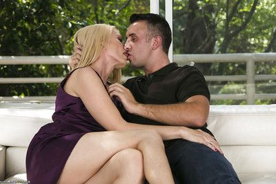 Concupiscent MILF Darryl Hanah gives a oral sex and benefits from group-bonked hardcore