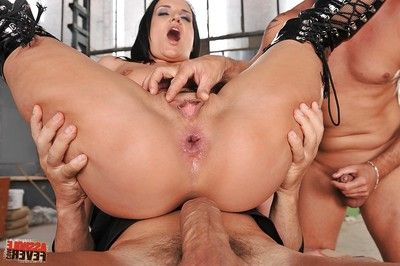 Dualistic champs pierce milf wet crack of Andy Ebon in a perspired MMF