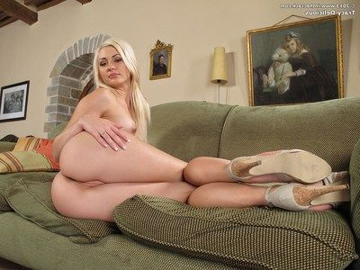 Sweaty golden-haired Tracy Tasty stripped off stripped for toying of snatch and dark hole