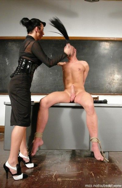 Charming ts ariel everitts dominates and bonks her gentleman sub