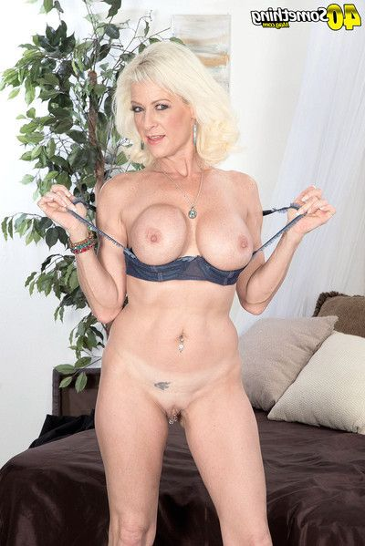 Full-grown attains her waste is compressed with a fuck instrument