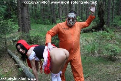 Sinless willowy beauty dual anal fisted by menacing jason in the woods outdoors