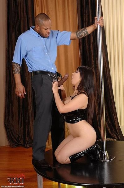 Titsy Japanese Tigerr Benson baring major pointer sisters prior to giving bj on knees