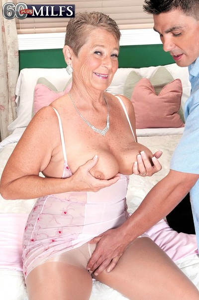 Oldfashioned adult fucked involving their way pussy