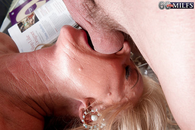 Super granny Phoenix Skye pompously BJ at hand front good-looking anal at hand MMF trine
