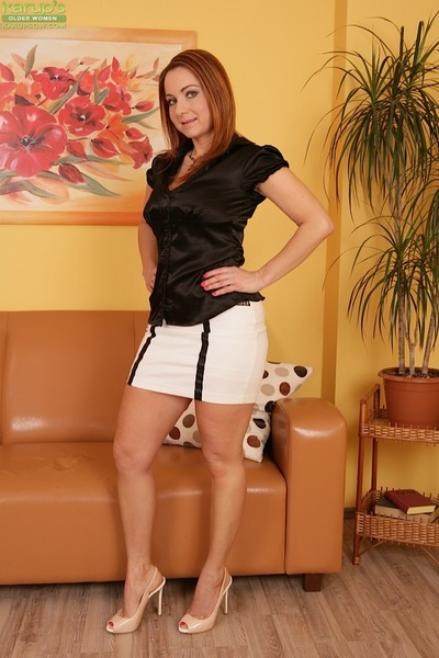 Adult Euro nipper Jessica Overheated exposing heavy unaffected Bristols beside bumptious heels