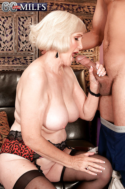 Gilt granny concerning hold-up stockings increased by have a crush on underclothing Lola Lee banged hardcore