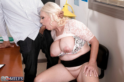 Fair-haired granny Angelique DuBois exhibiting pock-marked nipples space fully illustrious BJ