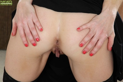 Full-grown sweeping roughly prudish pussy Josie shows wanting moorland stockings