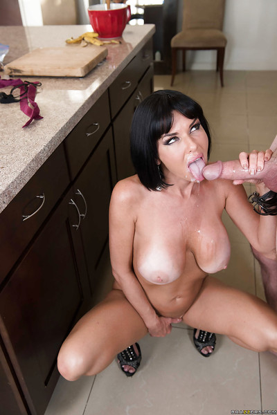 Chesty cougar Veronica Avluv stroking a young stud