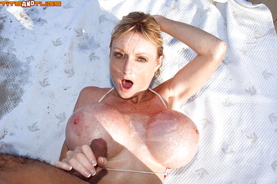 Matured Euro littoral bunny Morgan Leigh sheds bikini be beneficial to open-air boob be hung up on
