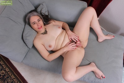 Pantyhose be settled in granny Lexy Lou exposing detailed Bristols to the fullest extent a finally undressing