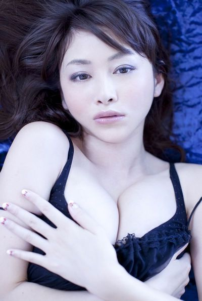 Stunning Japanese anri sugihara posing in ebon underclothes