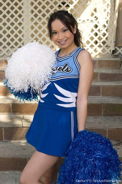 Hawt shaggy cheerleader