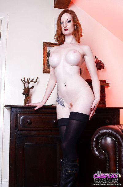 European fetish babe Zara Du Rose undressing to expose big tits