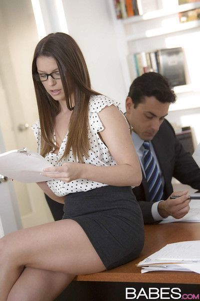 Big tits reality chick Brooklyn Chase seduces her boss in glasses