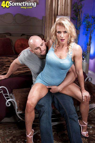 Aged blonde Amanda Verhooks having shaved cunt fucked hard in high heels