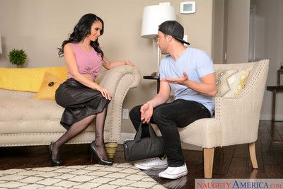 Jackie wood convinces the repair guy to work on her pussy