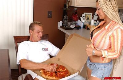 Deep-bosomed MILF with afro bunches gets dirty with a hung pizza-guy