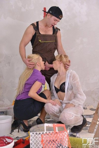 Horny blondes banged in a threesome