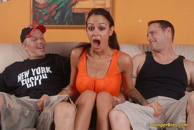 Angelina Valentine gets glazed with jizz after FMM groupsex with hung guys