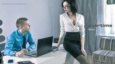 Glasses wearing secretary taking cumshot after hardcore office sex