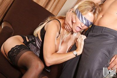 Blindfolded MILF Jessica Drake gives head and enjoys hard anal plugging