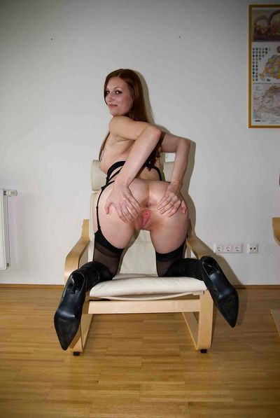 European amateur Giulietta Canale banging 2 dicks in nylons and boots