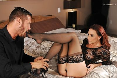 Long legged babe Chanel Preston has sexy toes sucked while getting fucked