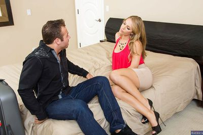 Nicole Aniston having a good sex and gets a good facial from man