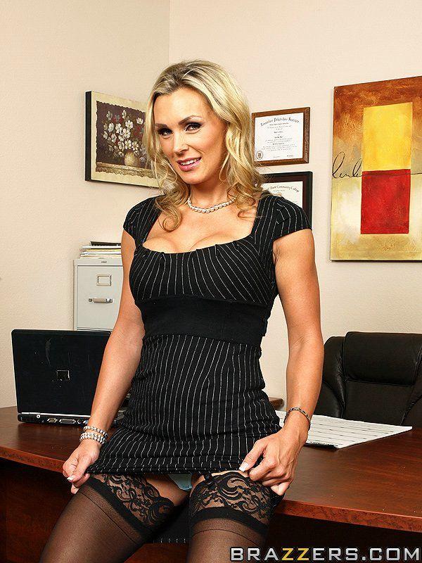 Ravishing secretary Tanya Tate gets her shaved pussy cocked up