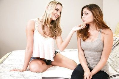 Two hot teenage babes Ariana and Kenna lick their orgasmic pussies