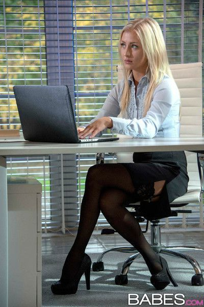 Cayla lyons fucks her coworker in the office