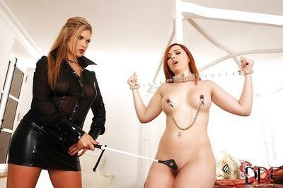 Great lesbian chick Angell Summers enjoys BDSM fuck with Eva Parcker
