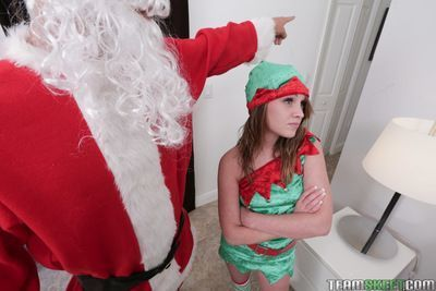 Christmas babe Lizzie Bell fucks with perverted long-dicked Santa