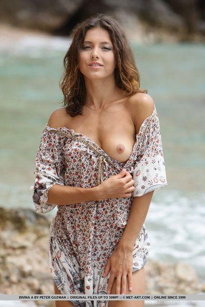Hot slut Divina A flashes no panty upskirt & bares her hot ass at the beach