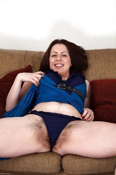 Mature slut with hairy cunt and hairy armpits Jenna Brooke posing