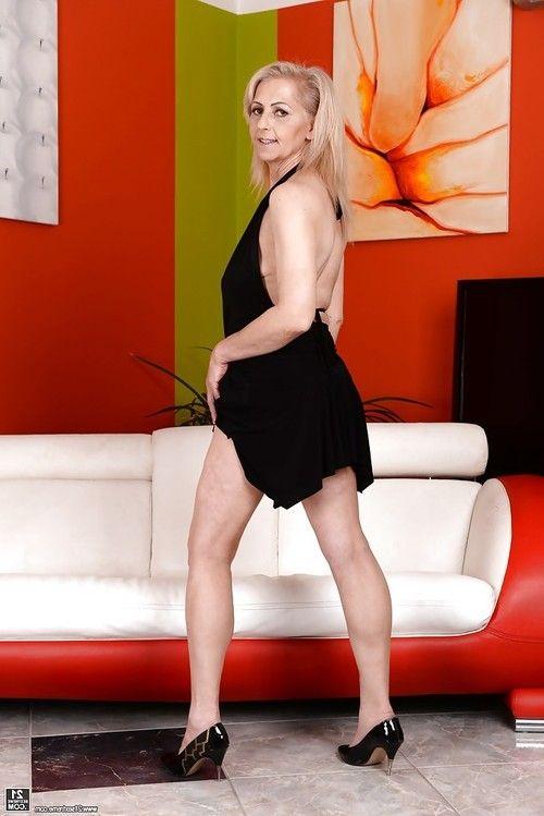 Ilona G
